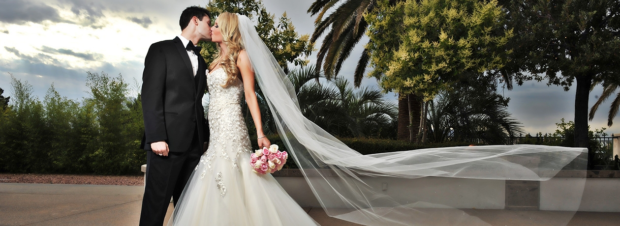Outdoor Gardens Wedding in Las Vegas